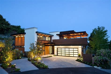 Contemporary Burkehill House, Vancouver, Canada by