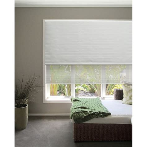 white bedroom blinds 25 best ideas about day night blinds on pinterest night