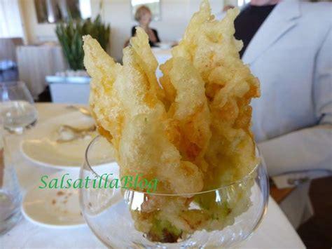 fiori di zucca in tempura i fiori di zucca in tempura i fiori di zucca in tempura in