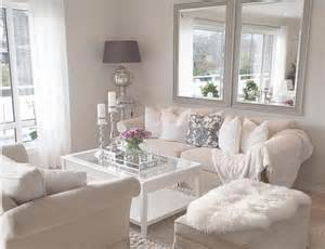 Best 20 Single Apartment Ideas On Pinterest White On White Living Room Decorating Ideas
