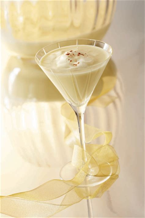 martini eggnog bridal bubbly winter wedding drinks festive signature