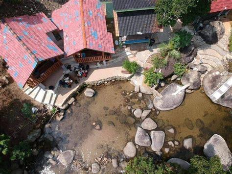homestay rumah sungai menghadap sungai  buka kg