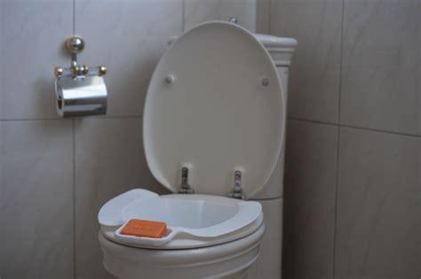 Anwendung Bidet by Mobiles Bidet Mit Seifenablage Wellys Toiletten Einleger