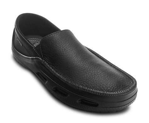 Sepatu Crocs Tideline Leather crocs tideline sport leather mens footwear