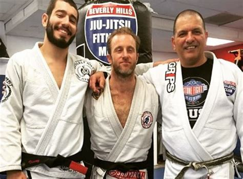 charlie hunnam jiu jitsu belt hawaii five 0 scott caan earned his jiu jitsu black belt
