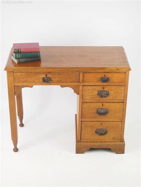 Small Vintage Desks Small Antique Arts Crafts Oak Desk Antiques Atlas