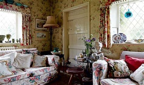 pics of small bedrooms in country victorian cottage dog the 693 best images about ideas for the house on pinterest