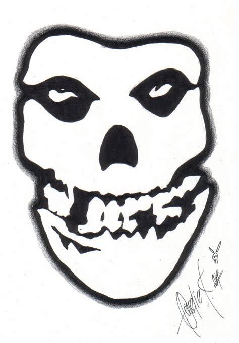 misfits skull by bettieboner on deviantart