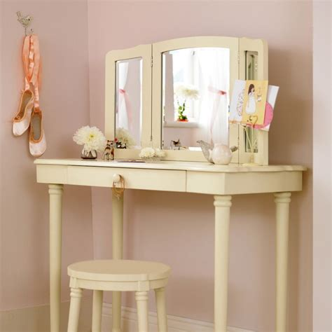 Corner Vanity Desk by Best 25 Corner Vanity Table Ideas On Bedroom
