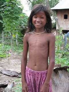 Khmer Girl I Asked A Group Of Local Kids To Pose For Me