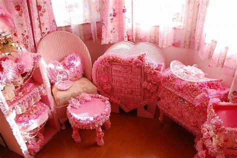 bedroom decor girly hearts pink image 203116 on favim com