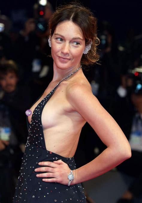 best celeb nips braless actress suffers nip slip