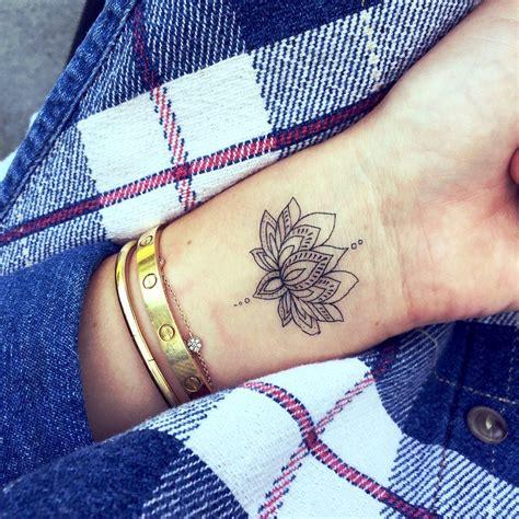 simple lotus tattoo lotus flower tattoos lotus flower