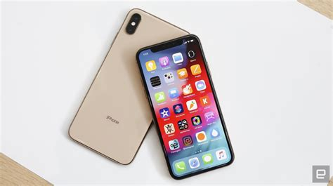 iphone xs  xs max hands    normal