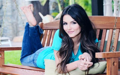 swing justice victoria justice wallpapers and images wallpapers