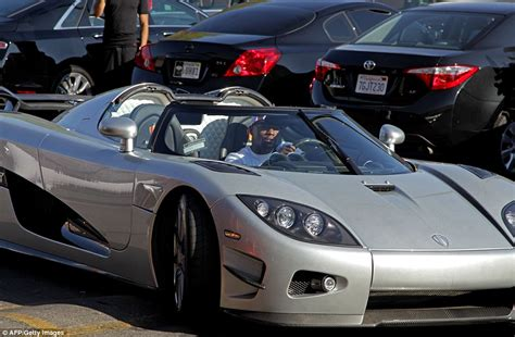 Floyd Mayweather Bugatti by Floyd Mayweather Flashes His New Koenigsegg Three
