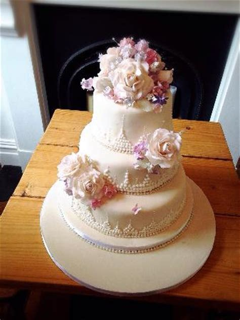 Homemade wedding cake from granny   Picture of No.4