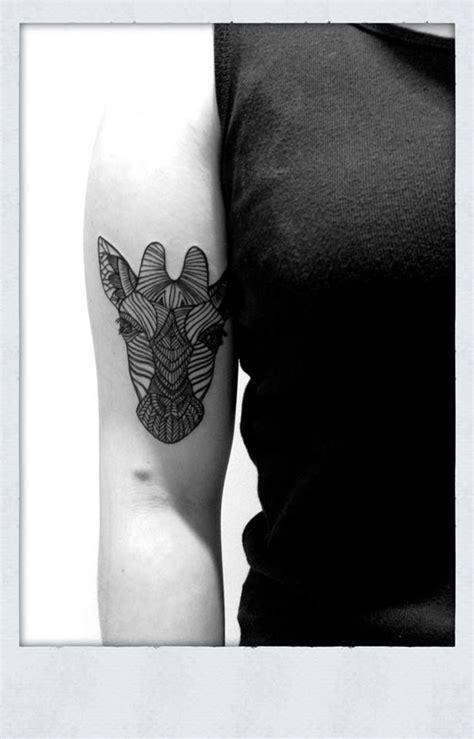 geometric giraffe tattoo geometric giraffe tattoos