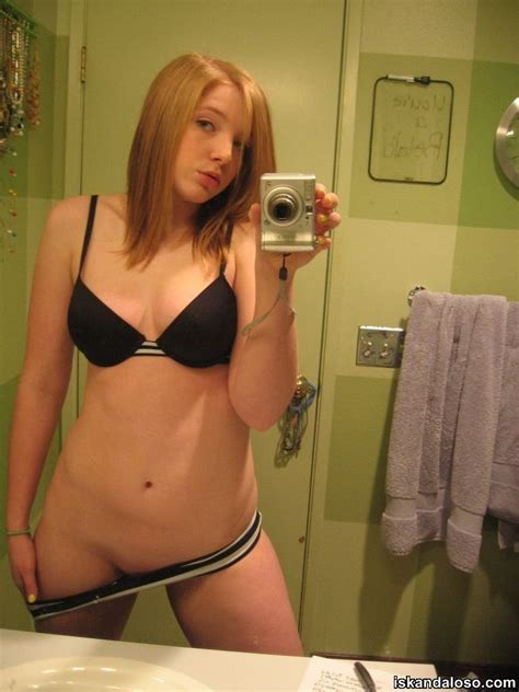 topless petite public toilet daltonalex12 find kik and snapchat usernames and friends