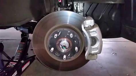 kia brake pads 2014 kia sportage awd suv checking front disc brake pads