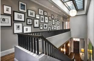 Online Staircase Design coole wanddeko eine fotowand mit familienfotos gestalten
