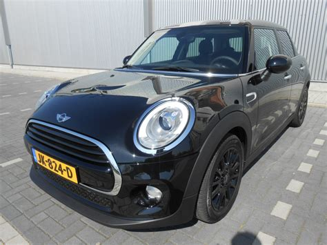 Mini Cooper Black mini cooper black limited 5 deurs blankert shortlease
