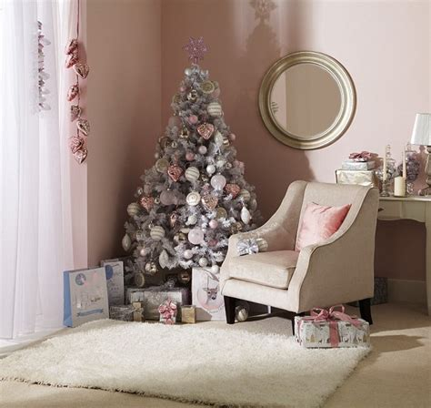 9 pre lit christmas tree