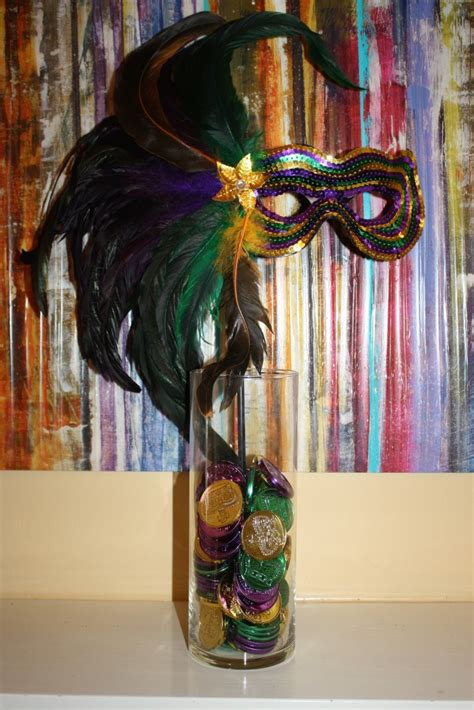 esszimmer center pieces how to make a mardi gras centerpiece toulouse and tonic