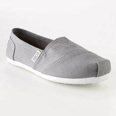 bobs or toms more comfortable bobs toms and in need on pinterest