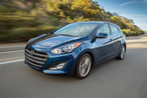 hyundai elantra gt review ratings specs prices    car connection