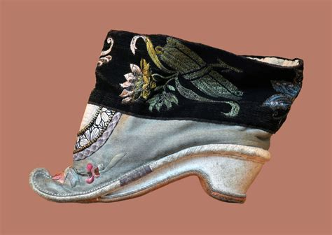 china shoes foot binding