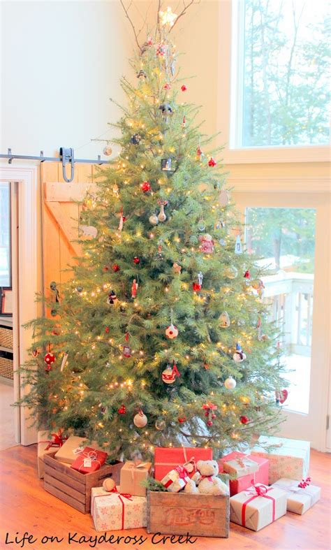 decrating a christmas tree with very thincurly ribbon a farmhouse home tour on kaydeross creek