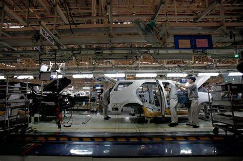 Toyota Plant Indiana Toyota To Resume Plant Building After Three Year Hiatus Wsj