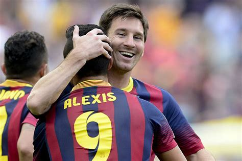 alexis sanchez on messi alexis sanchez arsenal star on learning from lionel messi