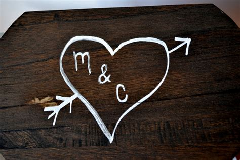 M C By M C rustic note box for engagement photos diy playbook