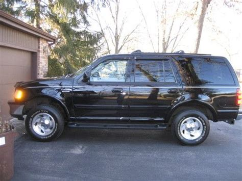 purchase used 1998 ford expedition eddie bauer all black edition great condition in worth