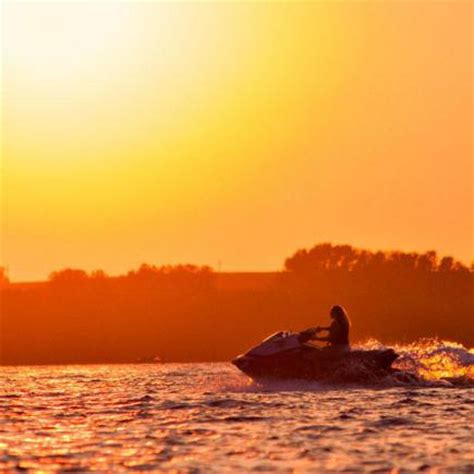 boat covers waterloo iowa 20 top things to do in iowa midwest living