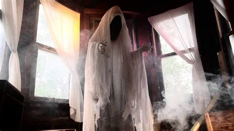 freaky ideas for the bedroom 40 funny scary halloween ghost decorations ideas