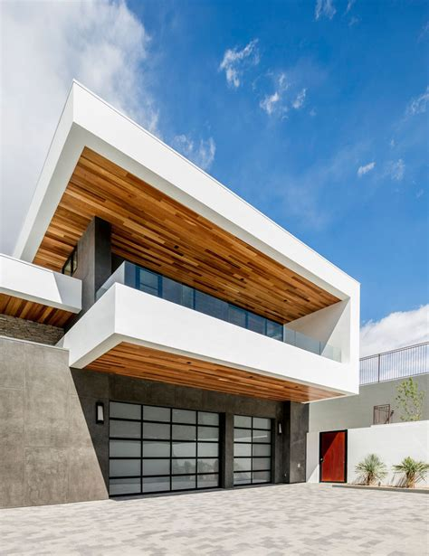 sb architects designs a foothill home with lifestyle