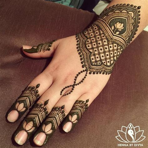 reverse tattoos designs 150 best henna mehndi images on henna tattoos