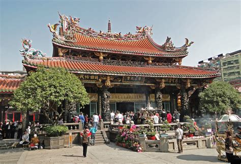 Temple L by File Longshan Temple Taipei 01 Jpg Wikimedia Commons