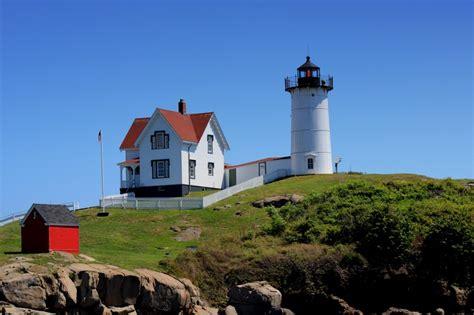 Cape Neddick Light by Nubble Lighthouse Cape Neddick Maine Where I Want To Be Pint