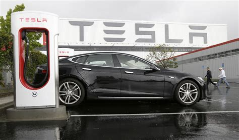 Free Tesla Charging Stations New Tesla Cars Won T Get Free Charging Station Use