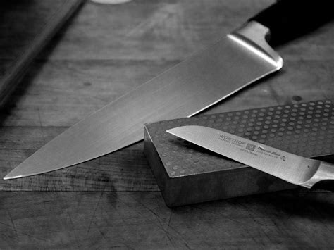 how to dull a blade turn your favorite coffee cup into a makeshift knife