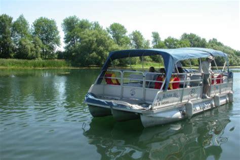 pontoon boat rental quebec h 233 ritage saint bernard pontoon tours on the ch 226 teauguay