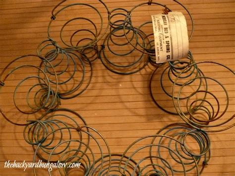 bed spring crafts how to make 15 diy vintage bed spring projects the