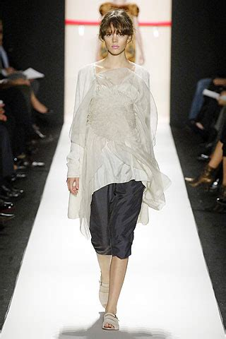 2007 Vera Wang by Sfilata Vera Wang Lavender Label New York Collezioni