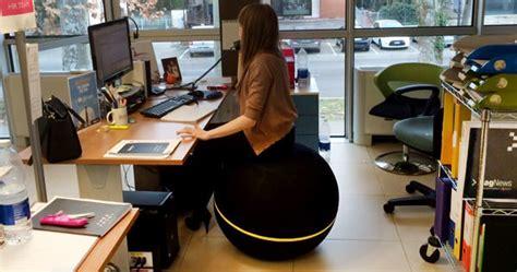 fitball come sedia la sedentariet 224 in ufficio rischia di essere vietata come
