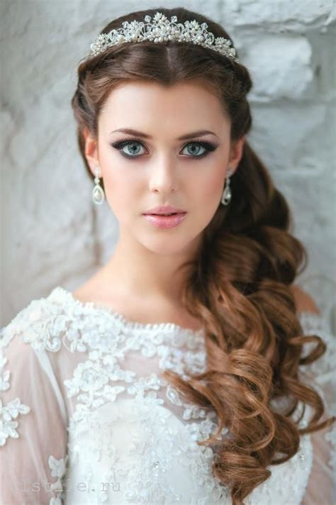 26 stylish wedding hairstyles for a dreamy bridal look half up half curly wedding hair