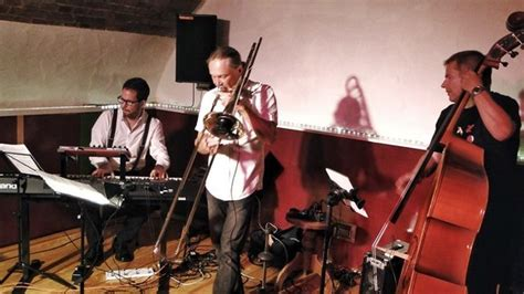 electro swing live swingdeinding electro swing live act from stuttgart gigmit